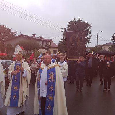 Uroczysta procesja wprowadzająca Obraz do kościoła
