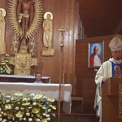 Uroczysta Msza Święta celebrowana przez JE ks. bp. Marka Solarczyka